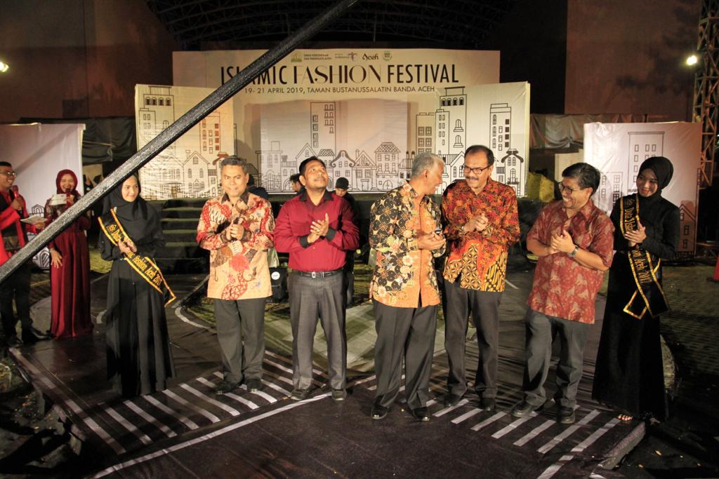 Bertema Bazar Street Fashion, Islamic Fashion Festival 2019 Aceh Sukses Digelar