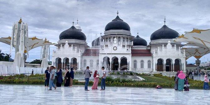 Baiturrahman Grand Mosque Aceh Historical Tourism Acehtourism