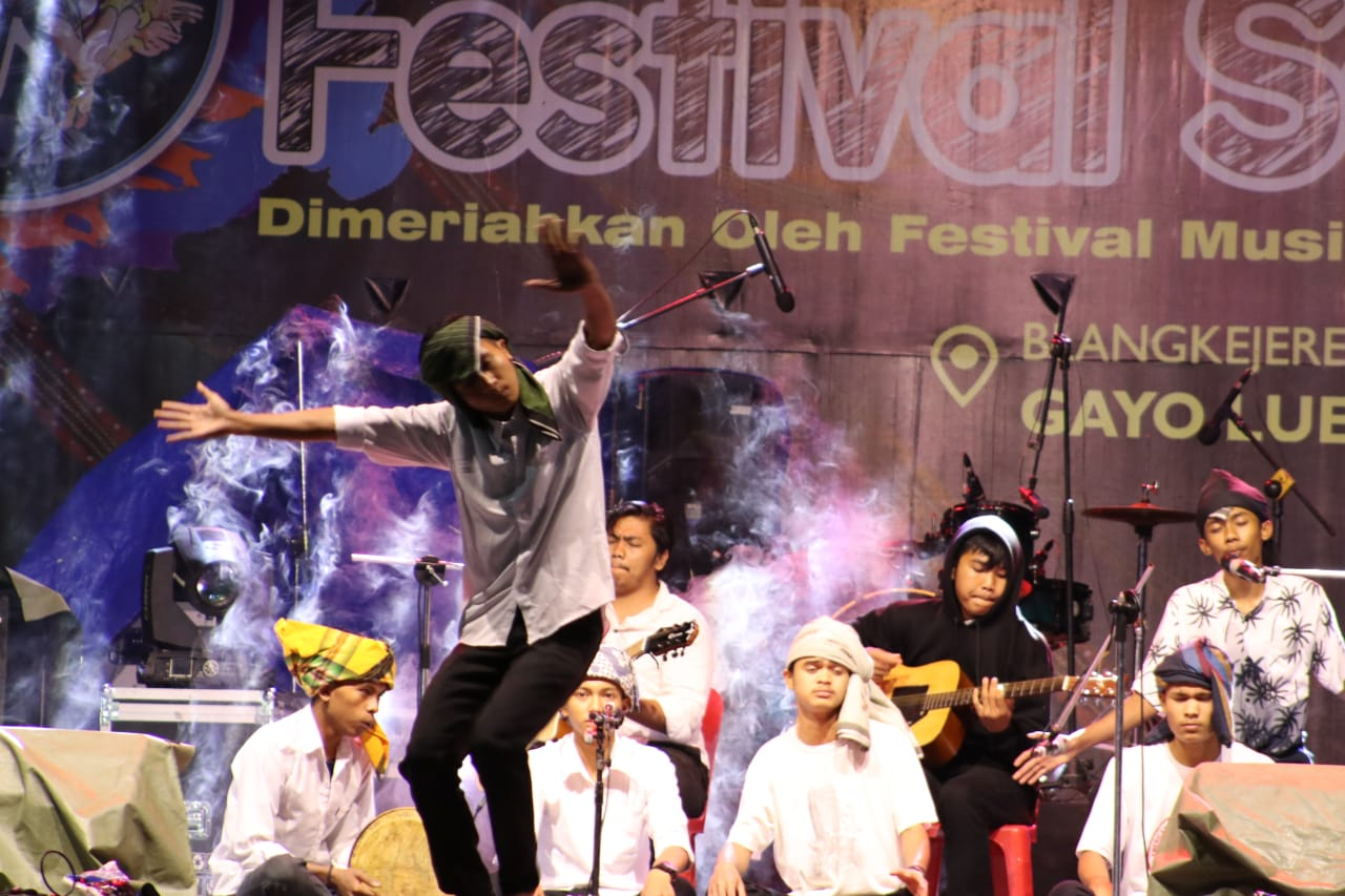 Disbudpar Aceh Campaigns The Light of Aceh Through Live Music at the Saman Gayo Lues Festival