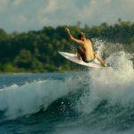 Ombak Pantai Simeulu Syurganya Bagi Pecinta Surfing