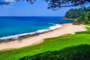 Lange Beach Keindahan Pantai yang Belum Tersentuh di Aceh Besar
